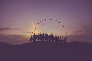 Graduates_on_Hill